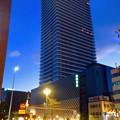 写真: 建物が完成した4月再開場予定の御園座 - 1:そびえ立つ御園座タワー