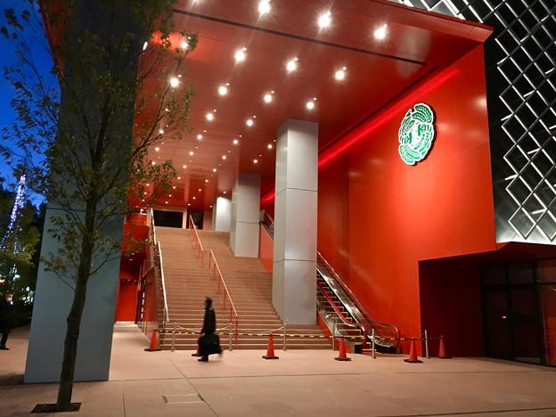 建物が完成した4月再開場予定の御園座 - 8:御園座入り口?