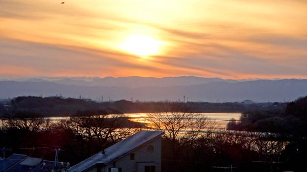 犬山丸の内緑地から見た、木曽川の向こうに沈む夕日 - 2
