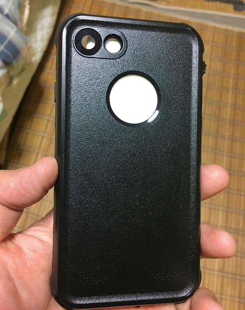 KYOKAのiPhone 7&8用の格安防水・耐衝撃ケース - 14:裏面