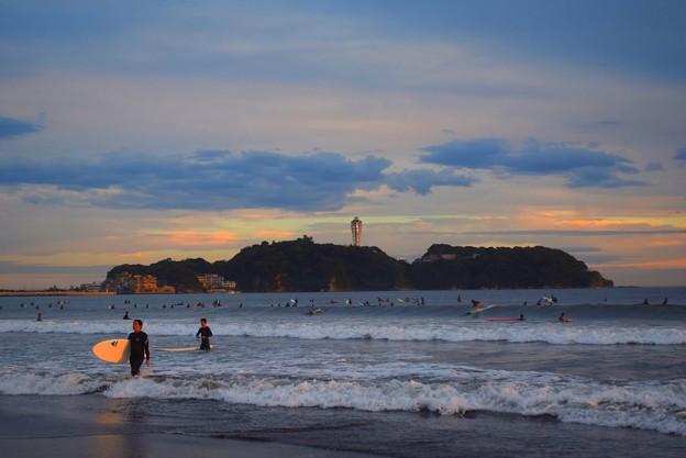 夕日を浴びる江ノ島 #湘南 #藤沢 #海 #波 #wave #surfing #mysky