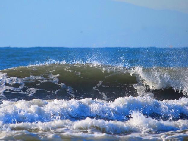 今朝の湘南・鵠沼海岸の波は腹から胸サイズ #湘南 #藤沢 #海 #波 #wave #surfing