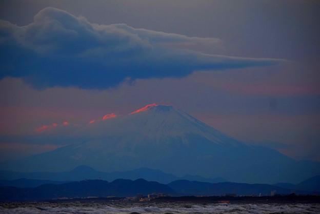 日没後の富士山@湘南・鵠沼海岸 #湘南 #藤沢 #海 #波 #wave #surfing #mysky #fujisan #mtfuji #富士山