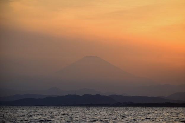 ぼんやり見える夕方の富士山 #湘南 #藤沢 #海 #波 #wave #surfing #mysky #fujisan #mtfuji #富士山