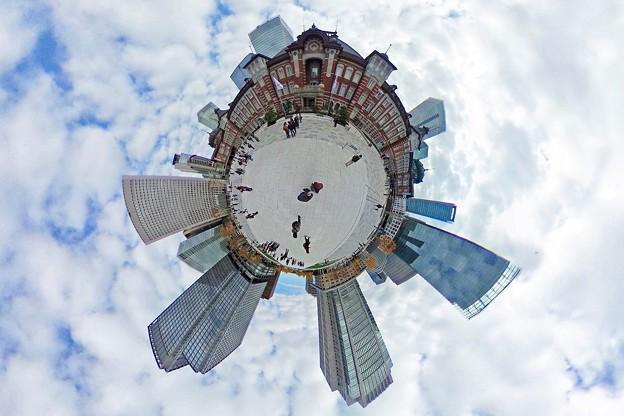 """写真: Ultra Planet """"Tokyo Station"""""""