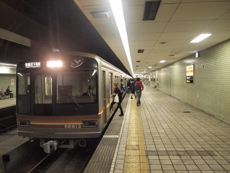 大阪市営地下鉄66系普通 堺筋線日本橋駅01