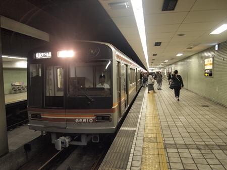 大阪市営地下鉄66系普通 堺筋線日本橋駅02