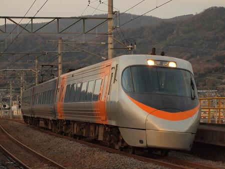 8000系特急いしづち 予讃線香西~高松