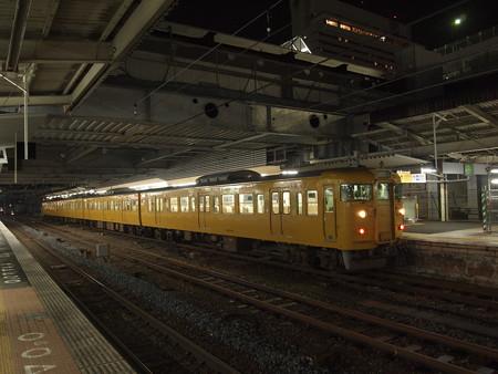 115系末期色普通 山陽本線広島駅01
