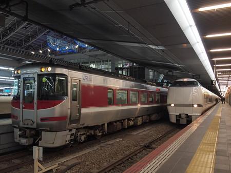 キハ189系はまかぜ  東海道本線大阪駅01