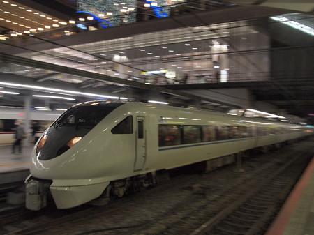 683系特急サンダーバード 東海道本線大阪駅01
