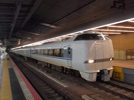 683系特急サンダーバード 東海道本線大阪駅02