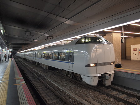 683系特急サンダーバード 東海道本線大阪駅03