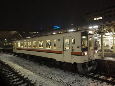 キハ11形普通 紀勢本線松阪駅03