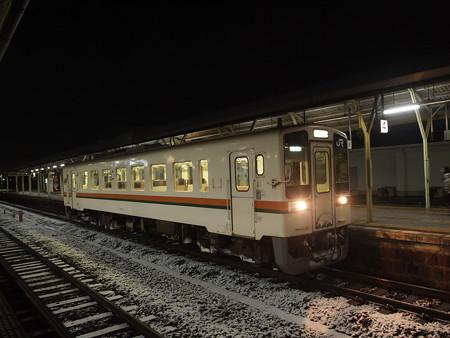 キハ11形普通 紀勢本線松阪駅04