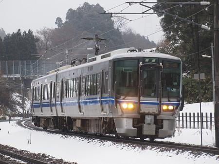521系普通  北陸本線津幡~倶利伽羅01