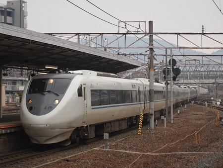 681系特急サンダーバード 東海道本線京都駅