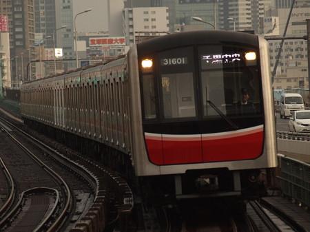 大阪市営地下鉄30000系 御堂筋線西中島南方駅03