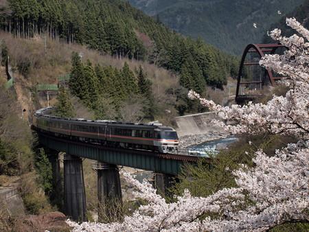 キハ85系ワイドビューひだ 高山本線下呂~焼石07