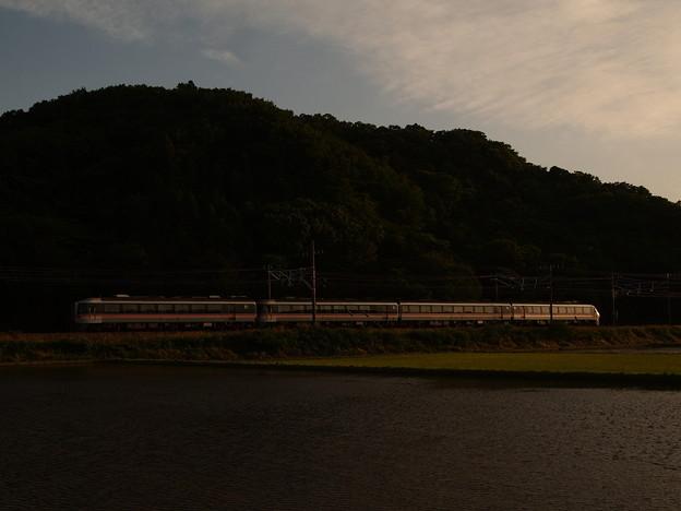 写真: キハ85系特急ワイドビューひだ 東海道本線近江長岡~柏原02