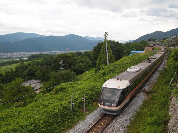 写真: 383系特急しなの 篠ノ井線姨捨駅