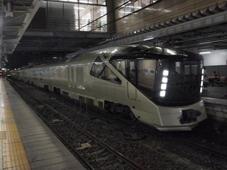 E001系四季島 信越本線長野駅02