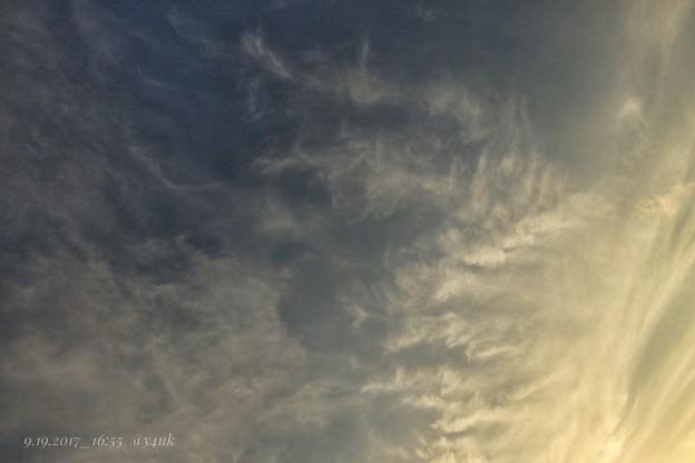 16:55sunset sky ~クイック、秋の高い夕空