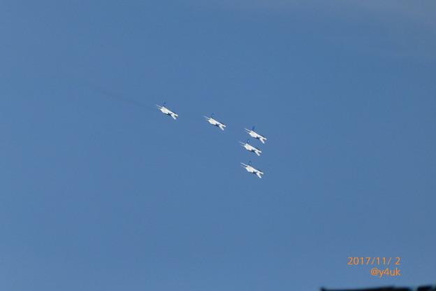 Photos: Blue Impulse , Blue Sky ~街の上空を旋回~前日予行~1号機は0予備機~撮って出し