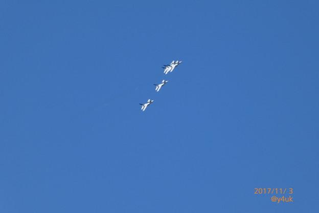 Photos: 早々街上空へも旋回してくれた~今回は何度も旋回してくれ嬉しい優しい~ブルーインパルス