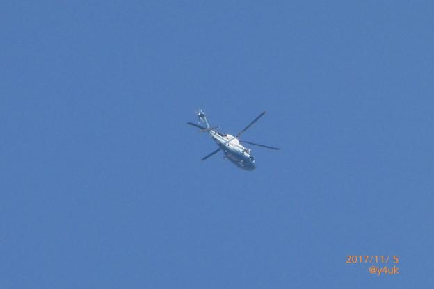 Photos: 12:06 TBS報道ヘリコプターも川越名門ゴルフ場へGo~Blue&White爽やか機体~トランプ来日11.5