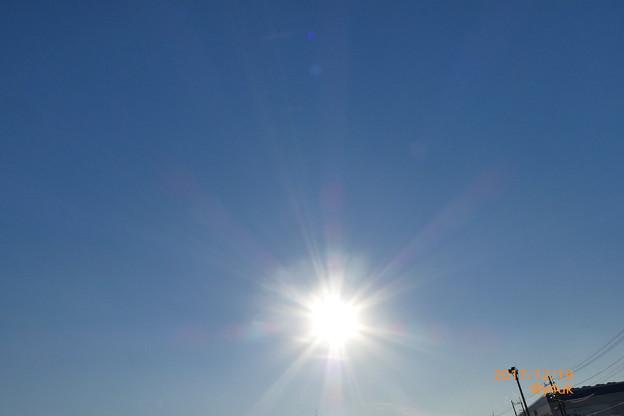冬の澄んだ青空太陽~乾燥つづきで12.21~風邪