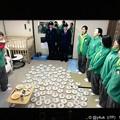 写真: ケーキがいっぱい(^-^)感動Xmasの監獄の夜!みんなの優しい温かい人情[監獄のお姫さま]泣けたシーン