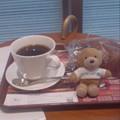 写真: 病院内のカフェがすばらしい...