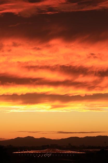 写真: 空が燃えた日