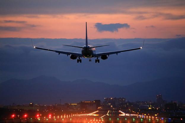 写真: 黄昏737