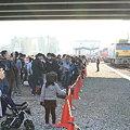 写真: JR貨物 稲沢駅 撮影する人