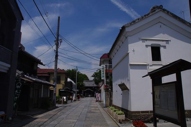 鑁阿寺の石畳通り