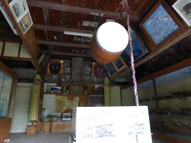 大瀬神社の絵馬殿