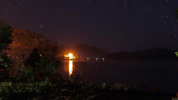 三方湖湖畔の夜景