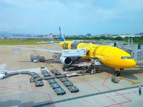 ANA STAR WARS~福岡空港