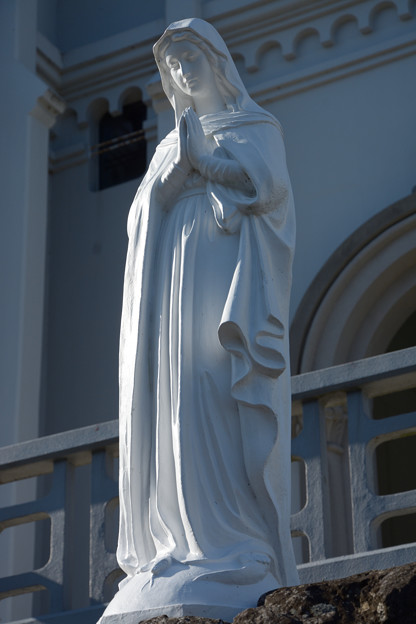 写真: 紐差教会の聖母像