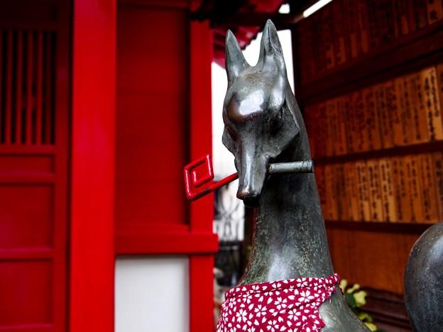 王子 装束稲荷神社 狛狐