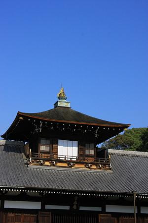 東福寺 開山堂と青空