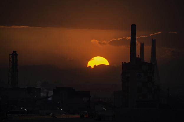 工場街の落日