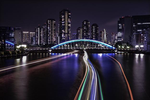 永代橋に向って
