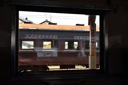 客車の窓から見る旧客
