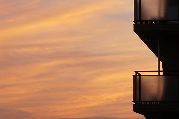 アパートの夕日