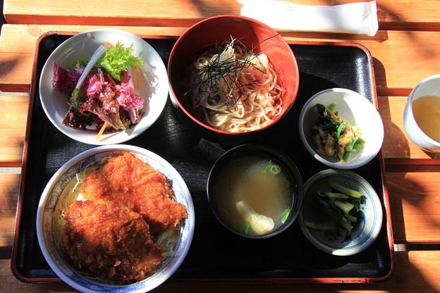ソースカツ丼&椀そばセット