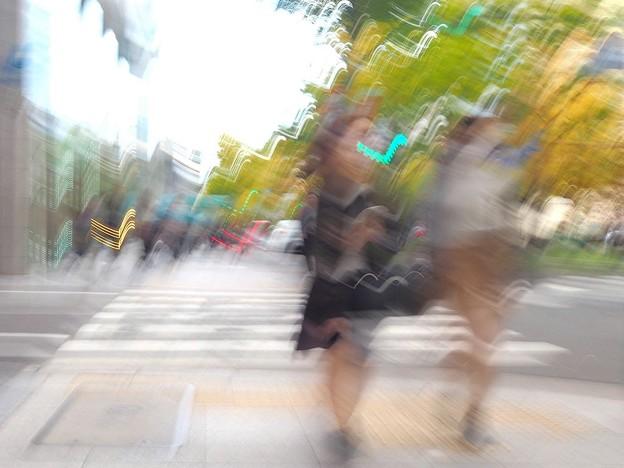 写真: 歩きながら