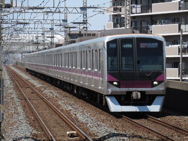 東京メトロ半蔵門線08系 08-106F